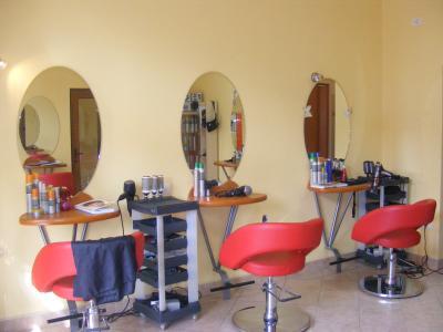 Que se puede hacer por 8 Lei en Bucarest? O como cortarse el pelo bien y barato