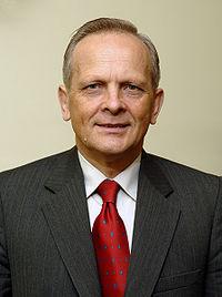 La última: Teodor Stolojan y el Primer Ministro más corto de Rumania